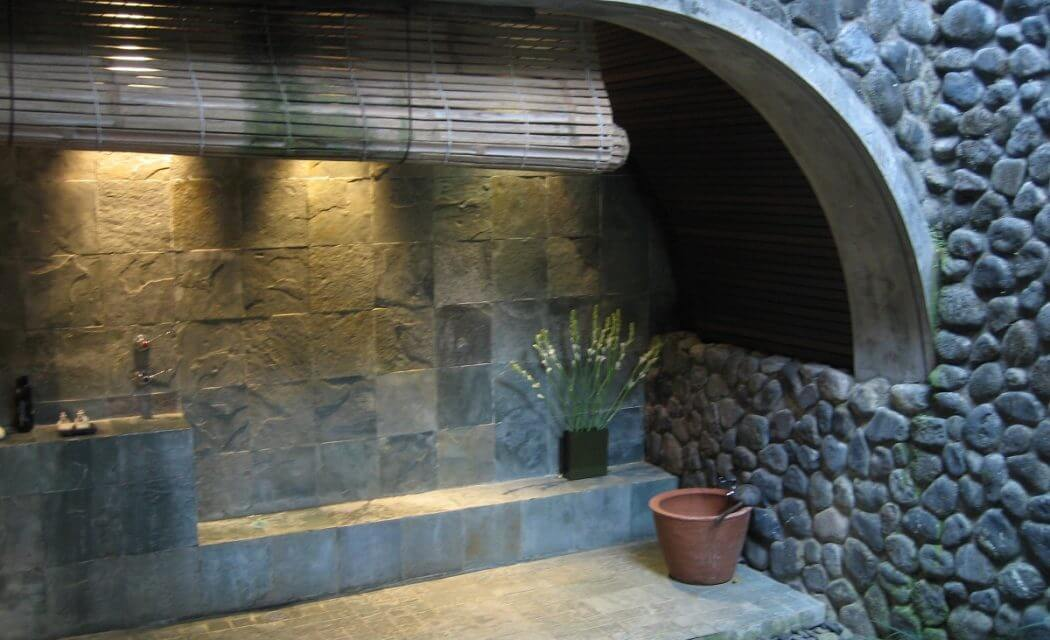 Outdoor Bathroom litts plumbing best renovations Ohio